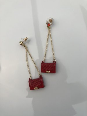 Dangle red-gold-colored