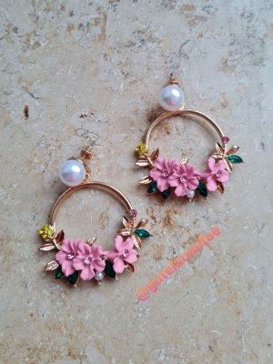 süße Ohrringe mit rosafarbenen Blumen mit Glitzer Glass Steinchen goldfarben