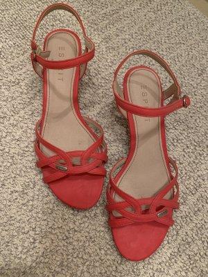 Süße rosa Sandalen