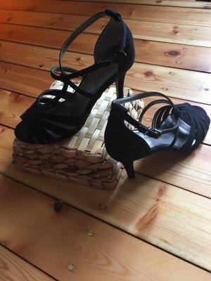 Süße Samt-Sandaletten