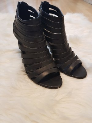 Süße Sandaletten mit Absatz
