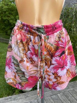 Süße Shorts mit floralem Muster * in tollen Farben