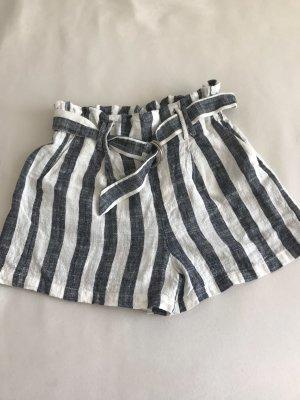 Süße Shorts von Bershka