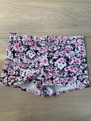 Süße Shorts von Juicy Couture in 26