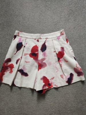 süße Skirt- Shorts von Zara