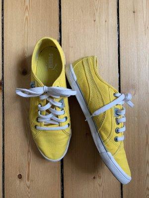 Süße, sonnengelbe Puma-Sneaker