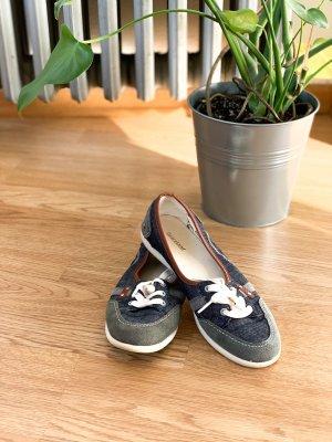 Süße sportliche Sneaker in Jeans Look