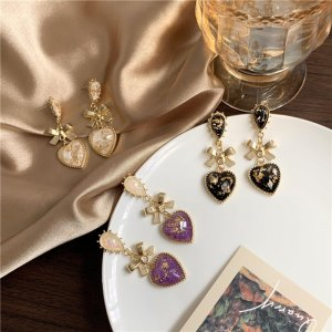 Süße vergoldete Ohrringe mit Schleife und Herz Anhänger Barocke Kristall Tropfen Chandelier prachtvolle Ohrclips