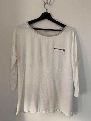 Süße weiße Bluse mit dezentem Glitzer