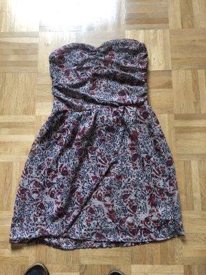 Süßen Kleid
