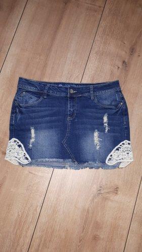 süßer Jeans Mini mit Spitzeneinsatz & Usedlook