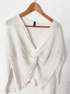 Süßer Pullover mit Knotendetail