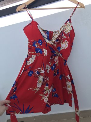 Süßer rote Jumpsuit / Einteiler