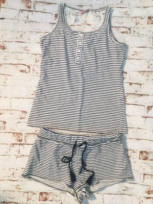 Süßer Schlafanzug