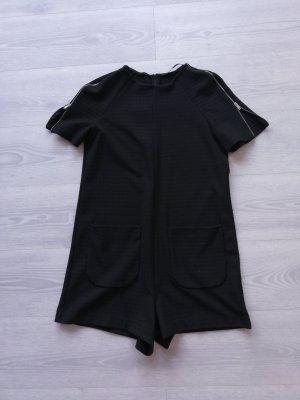 Süßer shortoverall in schwarz von Zara NP 49,00 €
