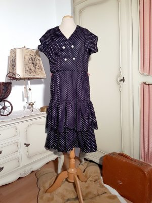 Süßes 80er-Kleid mit Polkadots