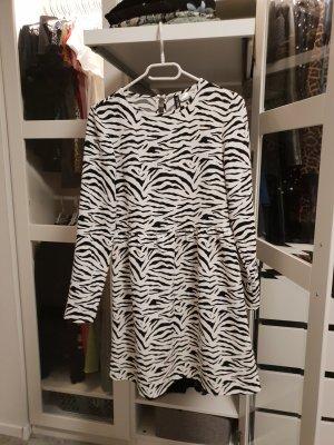 H&M Divided Sukienka typu babydoll biały-czarny