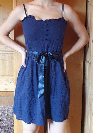 süßes Baumwollenkleid mit Gürtel