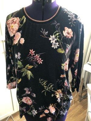 Süßes Blumenshirt von Betty Barcley