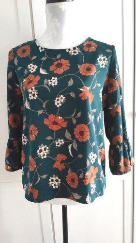 Süßes Blusenshirt mit Blumen