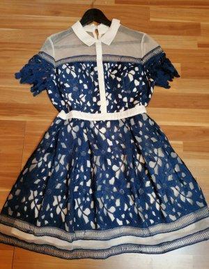süßes Chi Chi London-Kleid