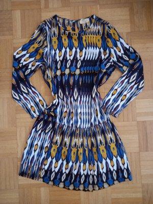 Süßes Kleid Größe 38