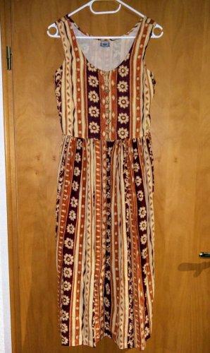 Süßes Kleid im Vintage-Stil