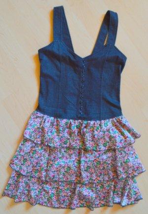 süßes Kleid in Jeansoptik und Stufenröcken Blumenprint