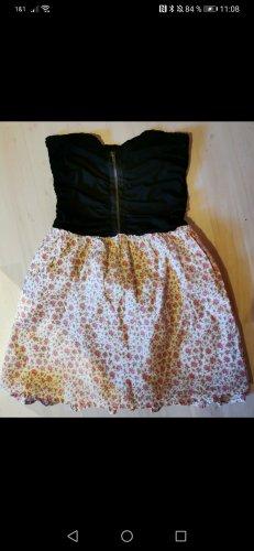 süßes Kleid mit Blümchen in S