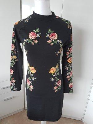 süßes Kleid mit Rosen Muster kurz gr S