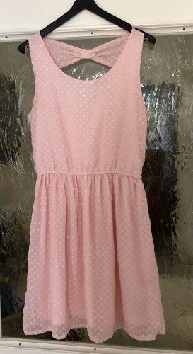 Süßes Kleid mit Schleife am Rücken