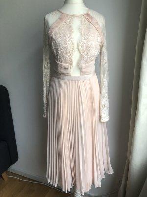 Süßes Kleid mit sexy Detail | Rosa