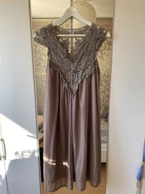 ❤️ Süßes Kleid mit Spitze - taupe