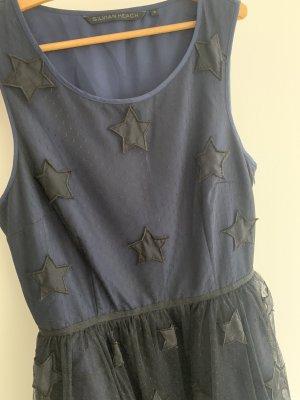 Süßes Kleid mit Sternen