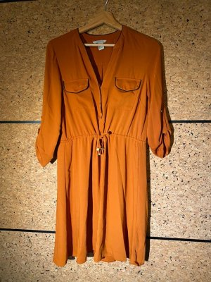 Süßes Kleid orange