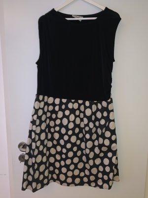 Süßes Kleid schwarz mit Punkten, Größe 46