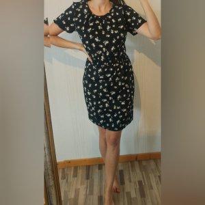 süßes Kleid Vintage Blumen