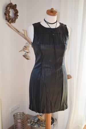 süßes Kleid von H&M Gr. 36 in schwarzer Leder Optik