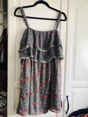 ** Süßes Kleid von Hollister & Co. , wie neu luftig sommerlich**