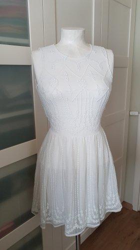 süßes leichtes Sommerkleid