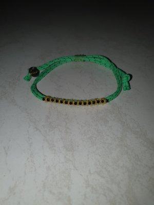 süsses Lua Armband grün mit dunkelblauen Steinen grössenverstellbar