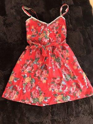 Süßes Minikleid