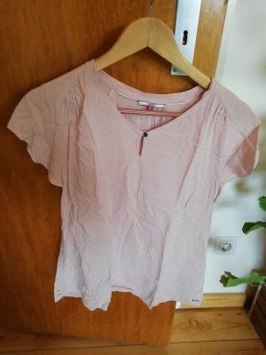 Süßes, rosanes Shirt von Hilfiger