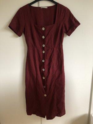 Süßes rotes Kleid