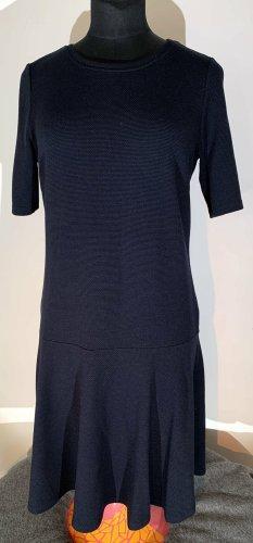 Süßes schlichtes sportliches Kleid von Opus ca. Gr.M