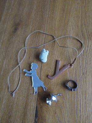 Süßes Schmuck-Seck mit zwei Broschen, einem Lederring und zwei Kettenanhängern - u.a. von COS und Kauf dich Glücklich