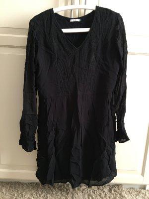 süßes schwarzes Kleid von edc