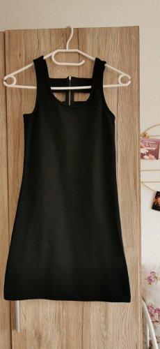 süßes schwarzes Kleidchen