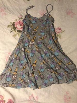 süßes Sommerkleid grau