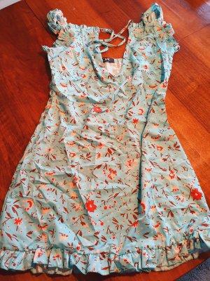 süßes Sommerkleid in hellblau größe M